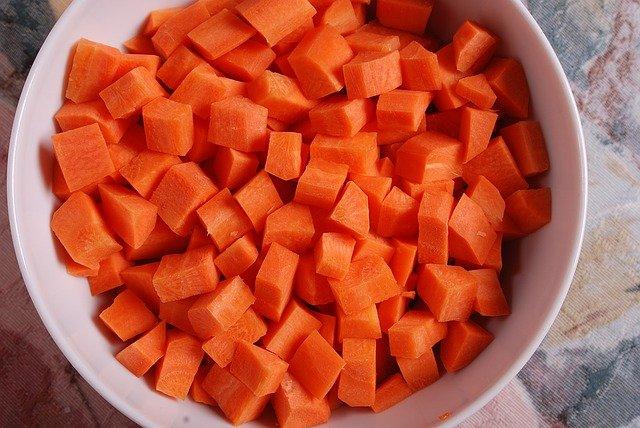 lekkie ciasto marchewkowe